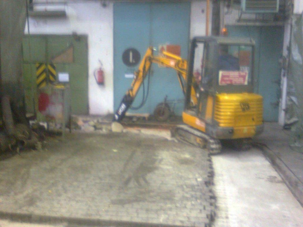 Demolice betonů a podlah v halách 3